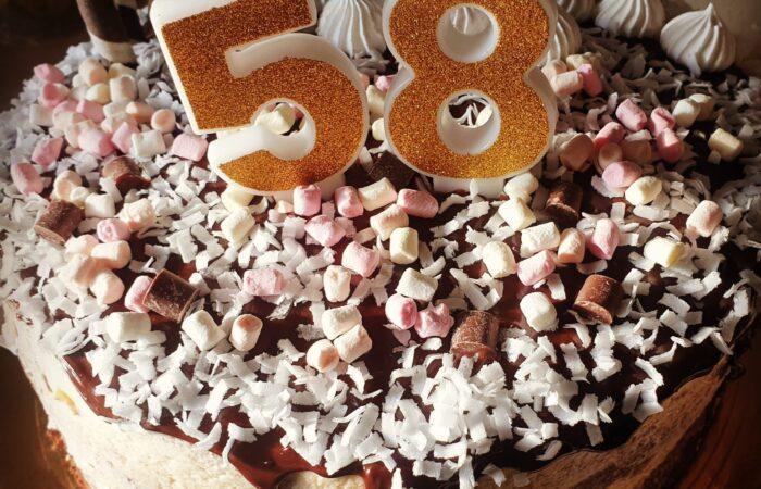 Tort z masą maślaną